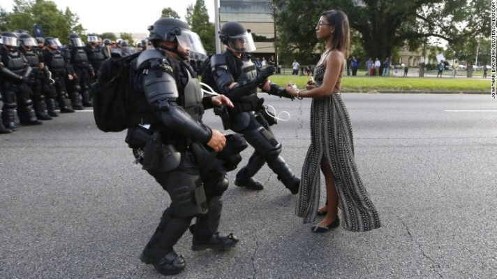 160712170804-baton-rouge-peaceful-protest-restricted-exlarge-169